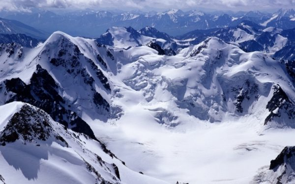 Tablou Canvas munti cu zapada